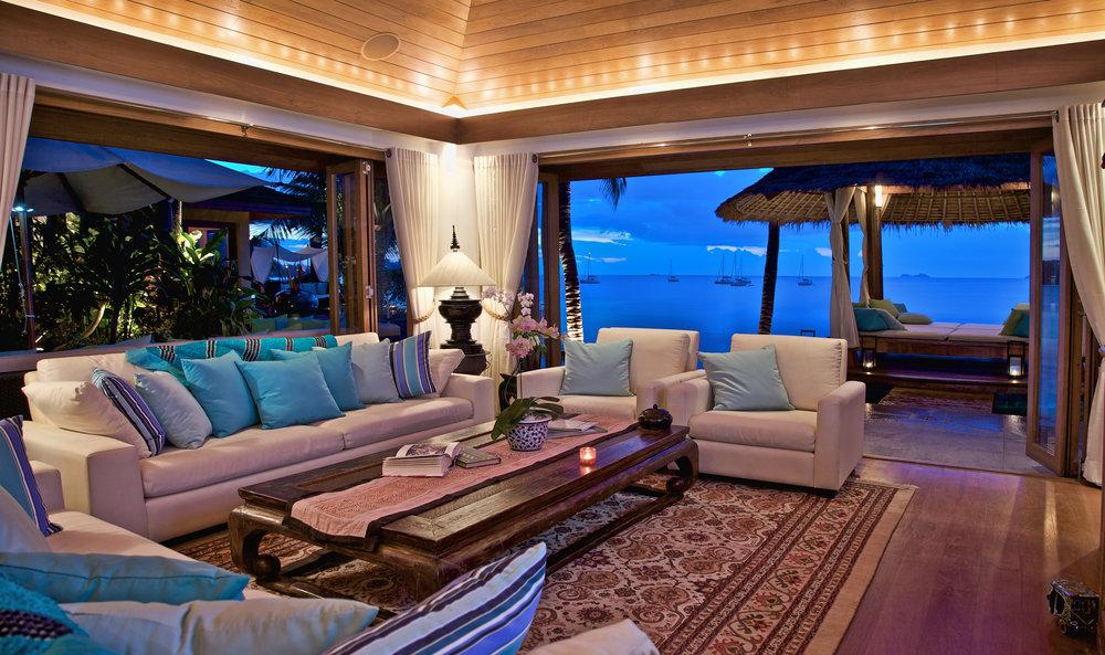 Pavilion Lounge Nighttime.jpg