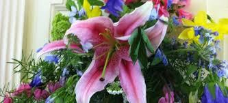 NewWedRedo_Worship_flowerguild.jpeg
