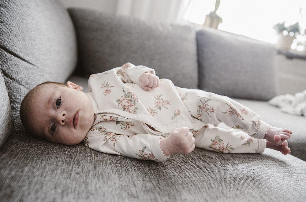 Fotograf Emma Schödin_Livia-6veckor_035.jpg