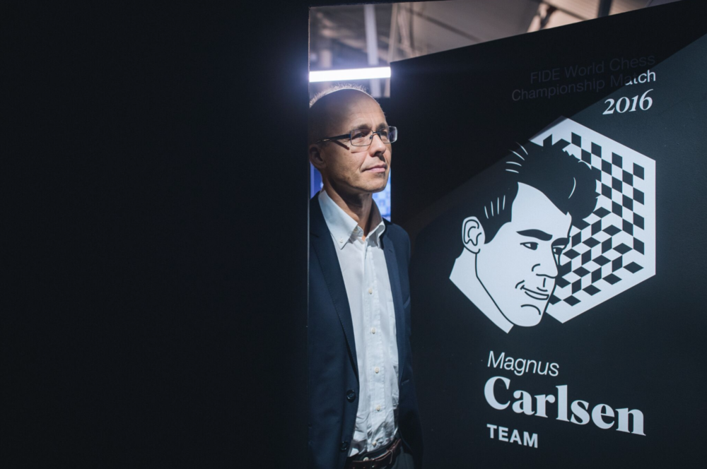 Henrik Carlsen, Magnus's father, is waiting for the results of the final game of the World Chess Championship Match in New York City