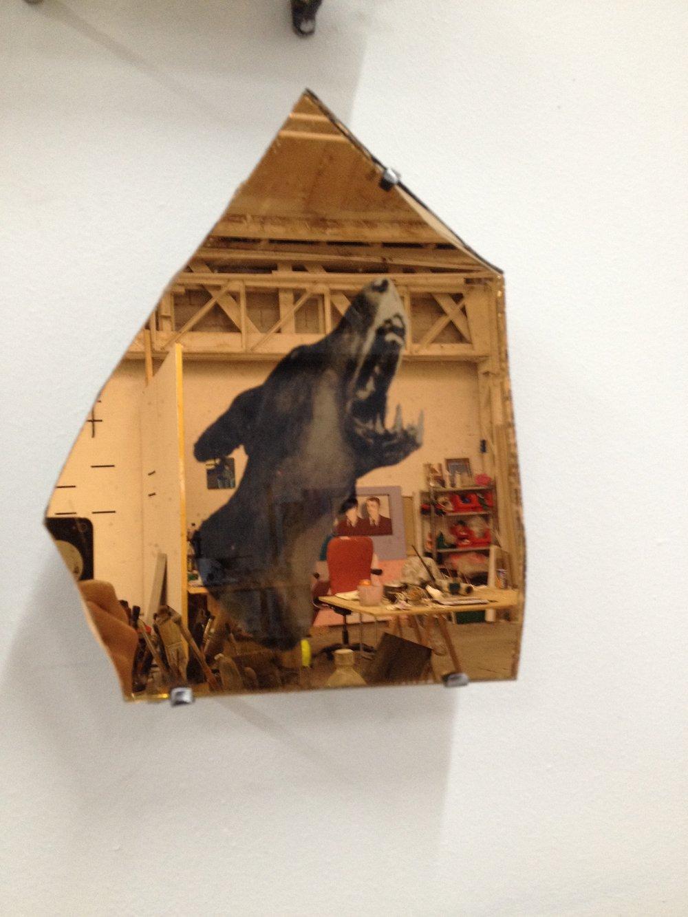 Lenny Rébéré,  Sans-titre , 2017. Verre gravé, encre, 25 cm x 20 cm