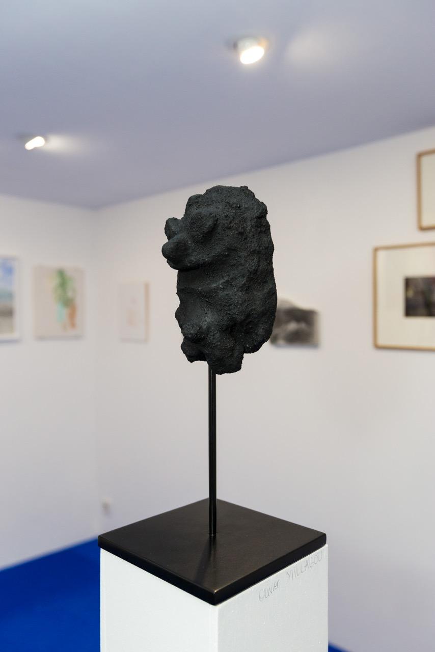 Olivier Millagou,  Épluchures , 2017. Plâtre, sable, 33,5 cm x 11 cm