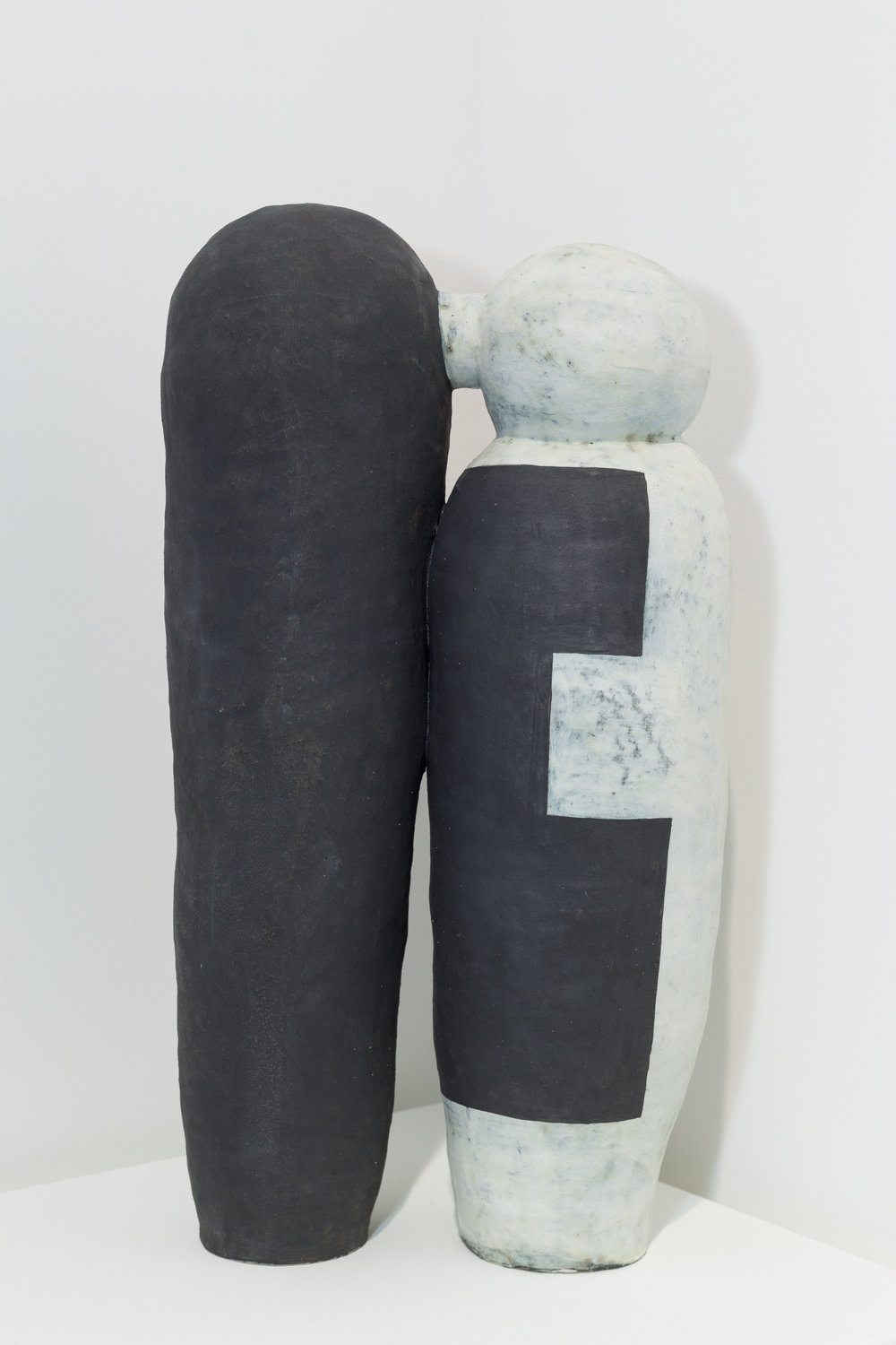 Daphe Corregan,  Connected Vessels , 2013. Grés, 55 x 24 x 12 cm