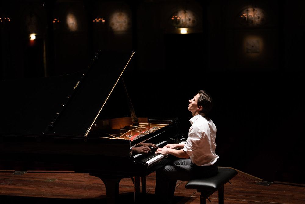 alexander-romanovsky-meesterpianisten-8.jpg