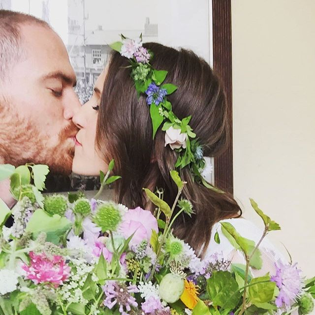 Happy couple, happy flowers! #mcsteve2016 #weddingflowers #britishflowers #wildflowers #countrywedding