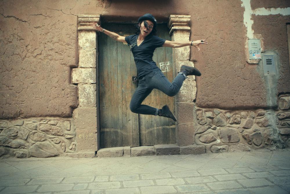 travel, tour, jump, adventure, women who travel, peru, cusco, inka, wanderlust, travel guide
