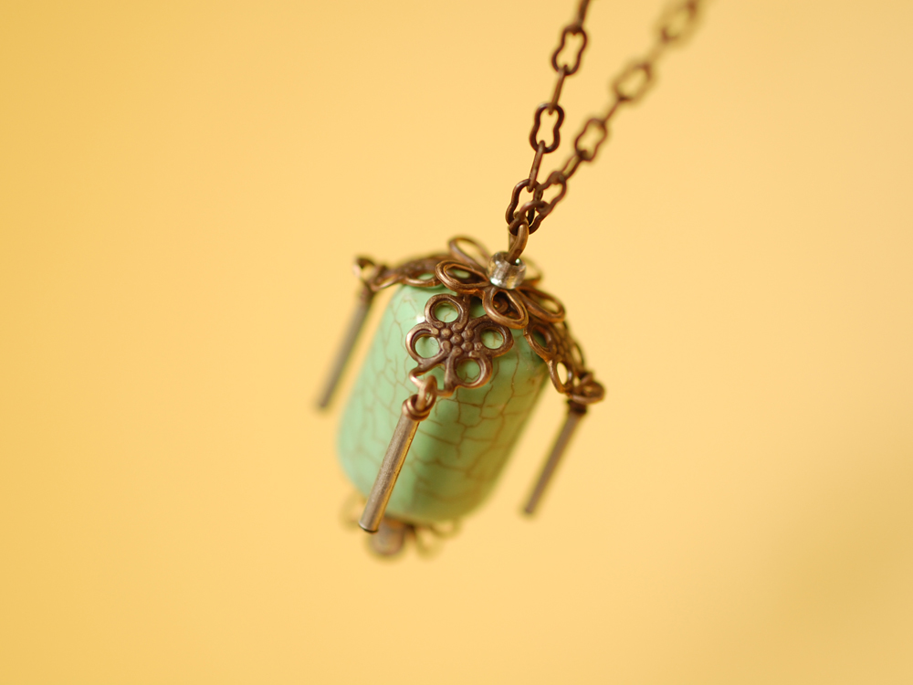 Prayer-Wheel-Necklace-lg02.jpg