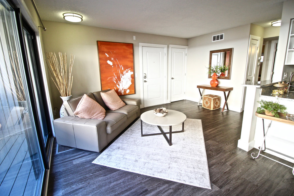 Lakota on Grand | Kansas City Plaza Apartments