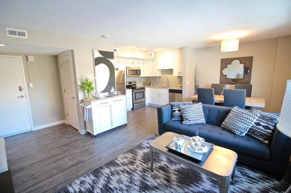 Plaza 209 Living Room | Kansas City Plaza Apartments