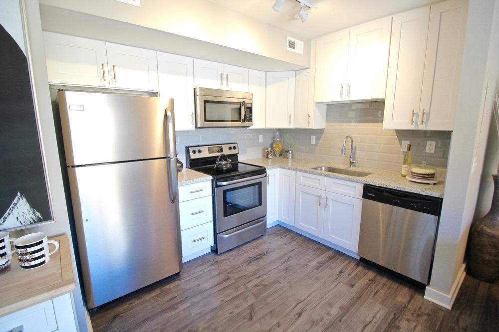 Plaza 209 Kitchen | Kansas City Plaza Apartments