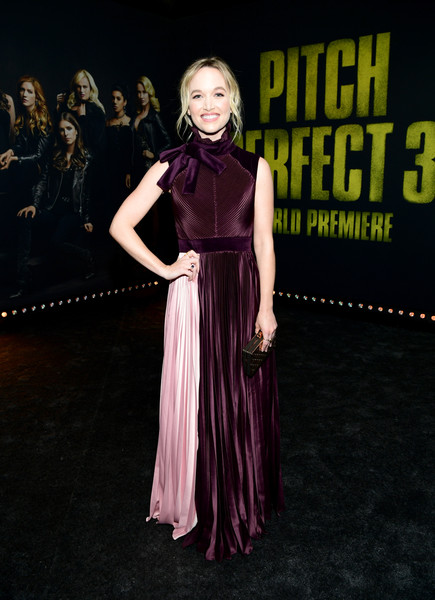 Kelley+Jakle+Premiere+Universal+Pictures+Pitch+-Hdgayui-Ael.jpg
