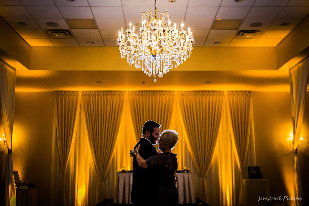 PHILADELPHIA_BALLROOM_WEDDING_PHOTOGRAPHY--101.jpg