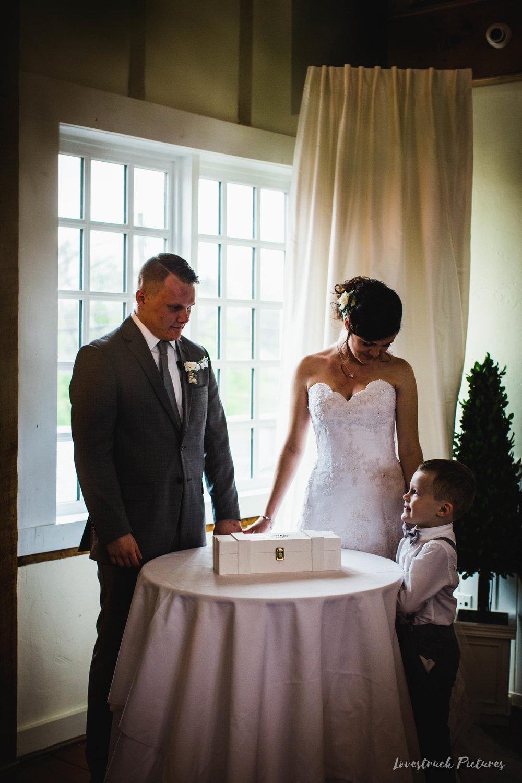 LOVESTRUCK PICTURES WEDDING PHOTOGRAPHY PHILADELPHIA -099.jpg