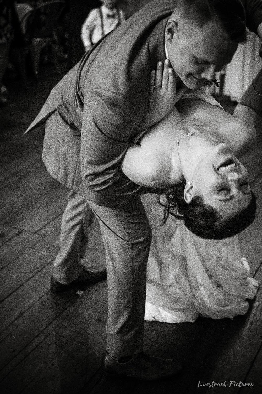 LOVESTRUCK PICTURES WEDDING PHOTOGRAPHY PHILADELPHIA -119.jpg