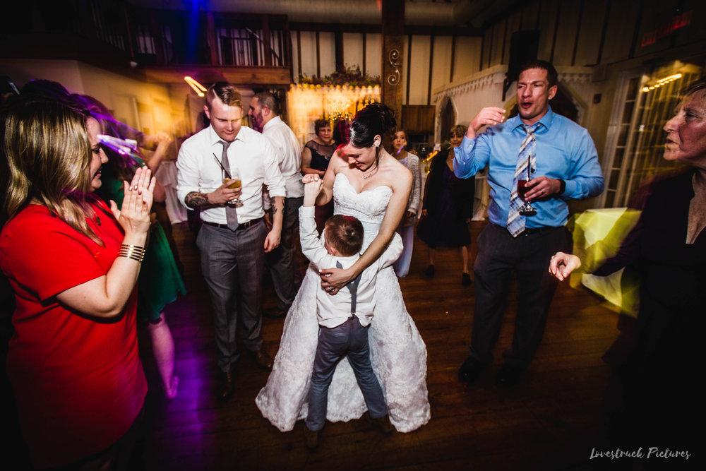 LOVESTRUCK PICTURES WEDDING PHOTOGRAPHY PHILADELPHIA -135.jpg