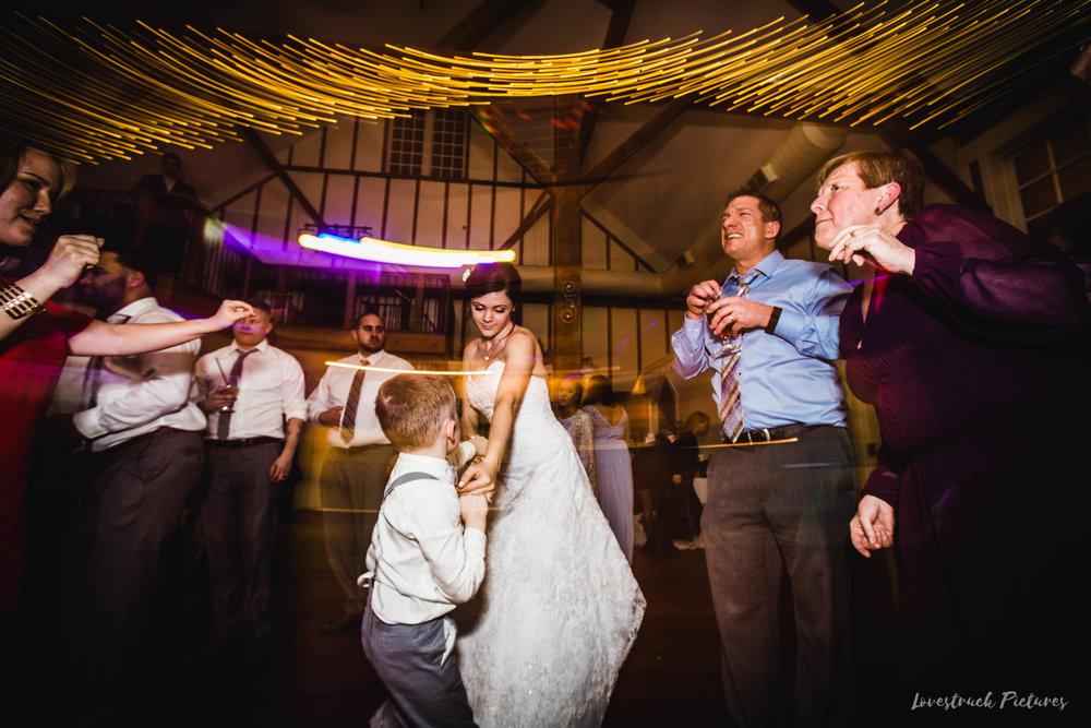 LOVESTRUCK PICTURES WEDDING PHOTOGRAPHY PHILADELPHIA -137.jpg