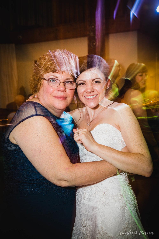 LOVESTRUCK PICTURES WEDDING PHOTOGRAPHY PHILADELPHIA -138.jpg
