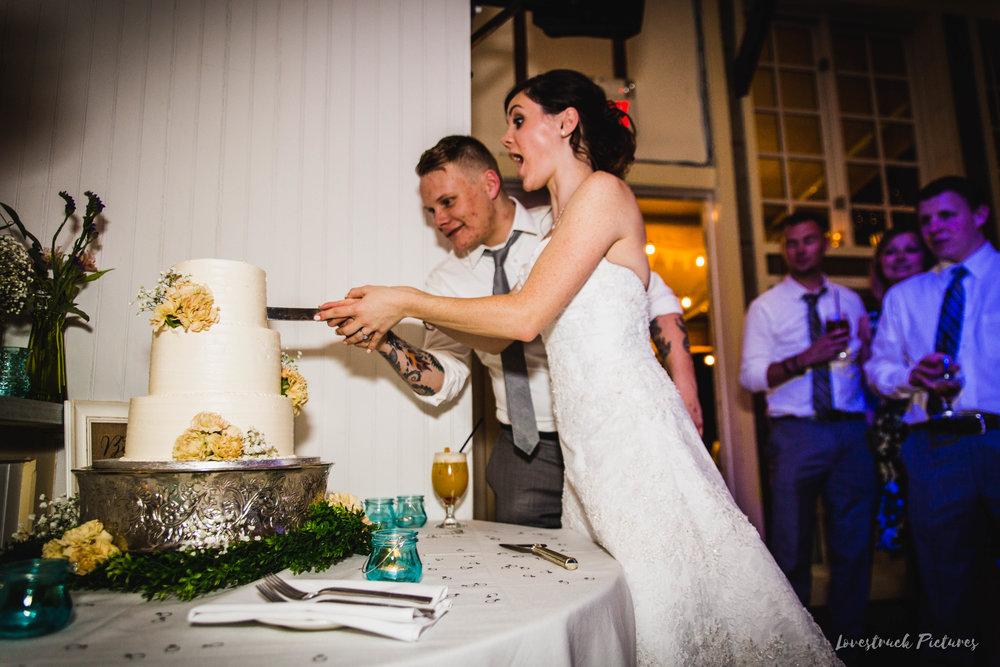 LOVESTRUCK PICTURES WEDDING PHOTOGRAPHY PHILADELPHIA -140.jpg