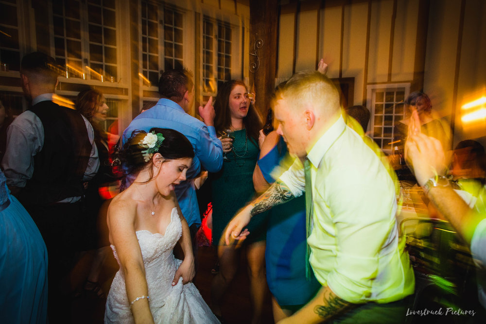 LOVESTRUCK PICTURES WEDDING PHOTOGRAPHY PHILADELPHIA -154.jpg