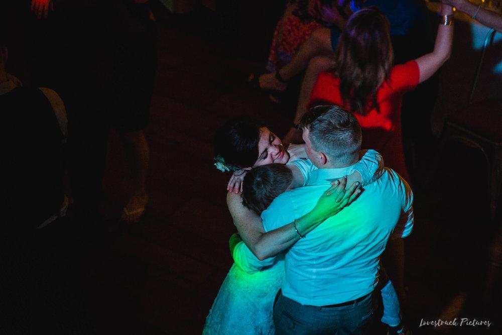 LOVESTRUCK PICTURES WEDDING PHOTOGRAPHY PHILADELPHIA -166.jpg