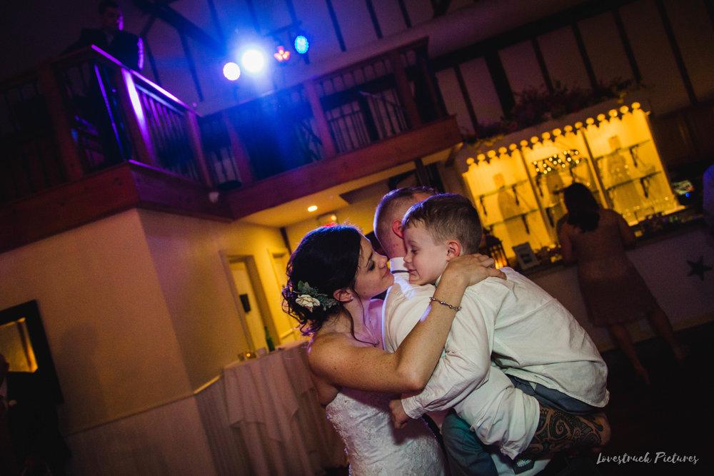 LOVESTRUCK PICTURES WEDDING PHOTOGRAPHY PHILADELPHIA -169.jpg