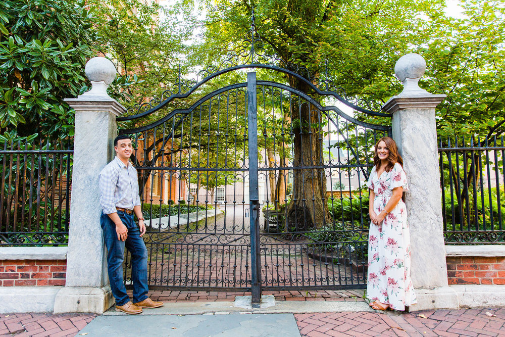 OLD CITY PHILADELPHIA ENGAGEMENT PHOTOS LOVESTRUCK PICTURES - 018.jpg