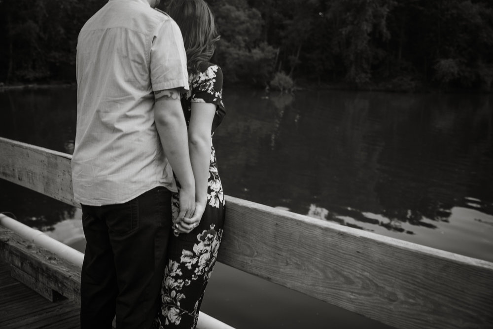 PEACE VALLEY PARK ENGAGEMENT PHOTOS  -  012.jpg