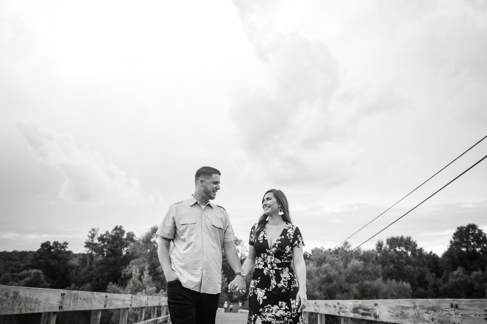 PEACE VALLEY PARK ENGAGEMENT PHOTOS  -  015.jpg