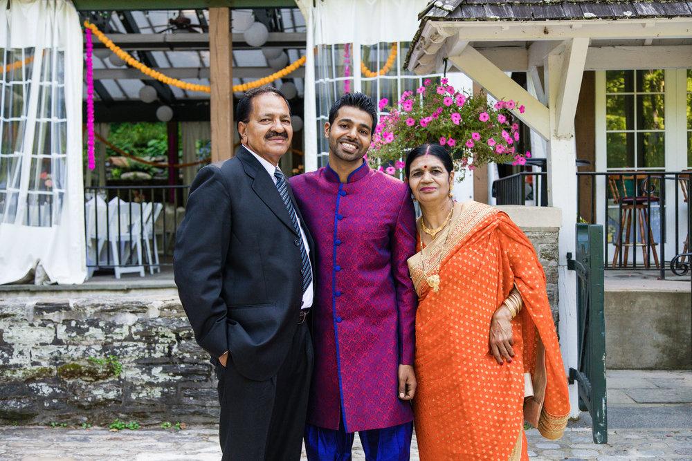 VALLEY GREEN INN WEDDING PHOTOS - 030.jpg