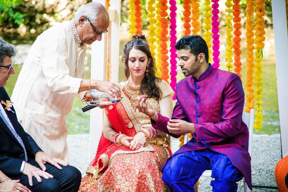 VALLEY GREEN INN WEDDING PHOTOS - 044.jpg