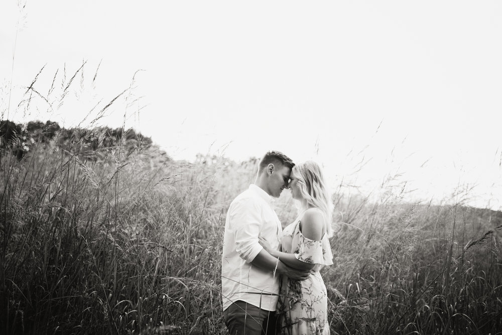 Amanda and Chris - Engagmenet Photos - Valley Forge Park - 034.jpg