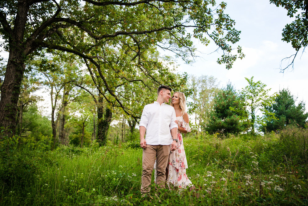 Amanda and Chris - Engagmenet Photos - Valley Forge Park - 035.jpg