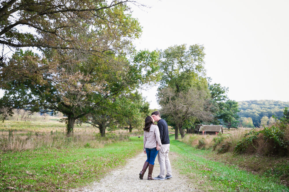 Valley Forge Park Engagement Photos - 003.jpg