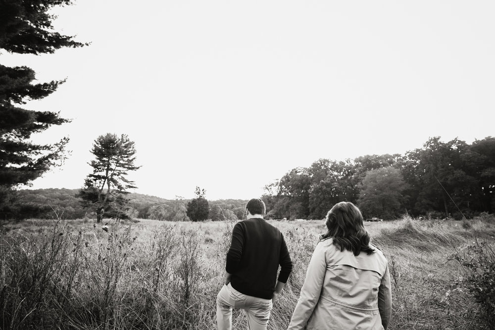 Valley Forge Park Engagement Photos - 014.jpg