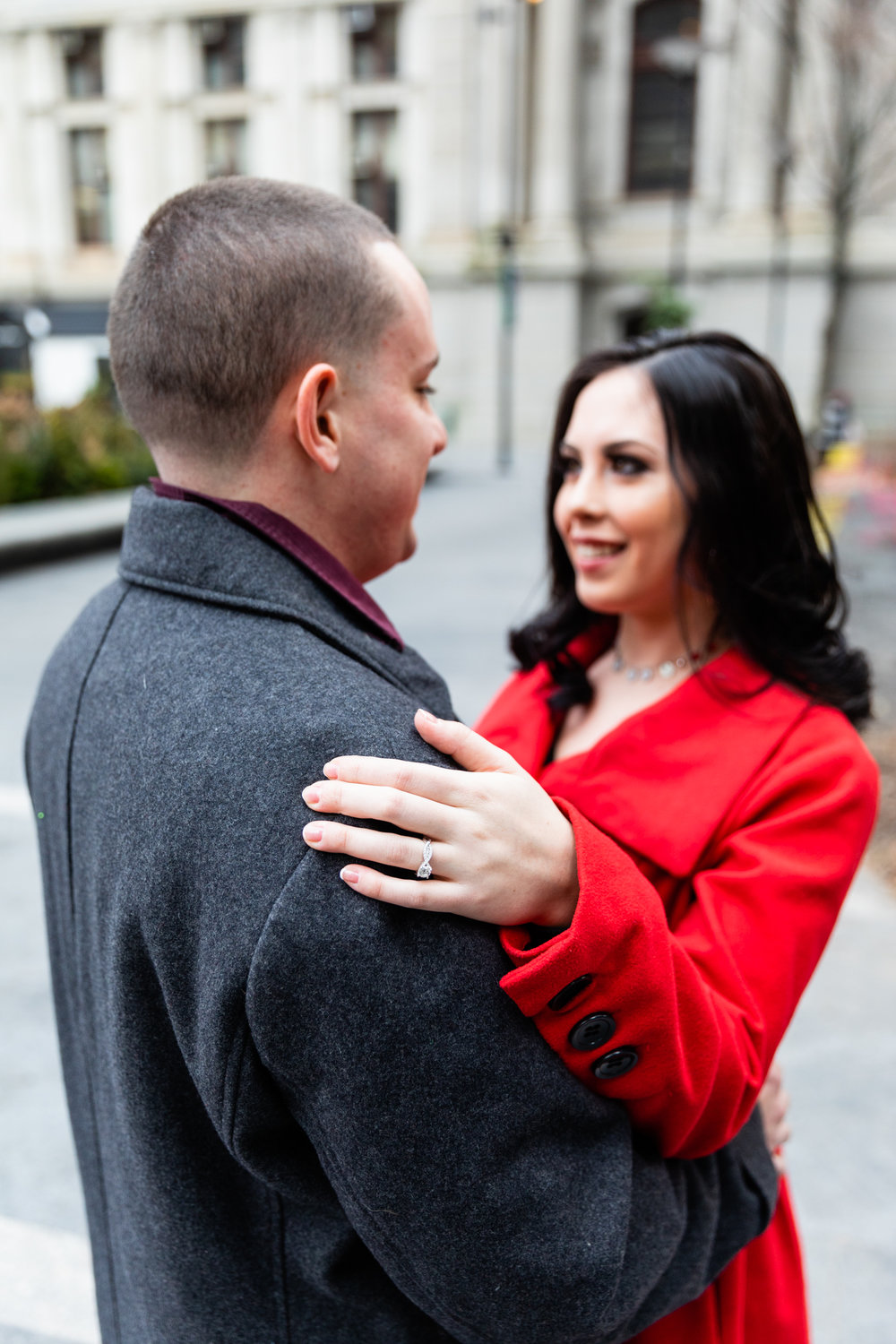 PHILADELPHIA CITY HALL ENGAGEMENT PHOTOS-2.jpg
