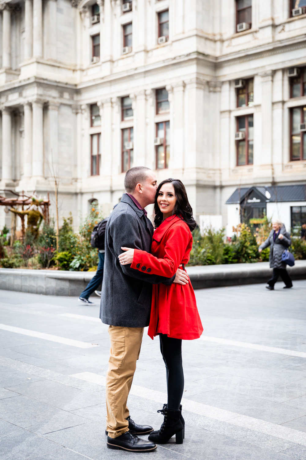 PHILADELPHIA CITY HALL ENGAGEMENT PHOTOS-1.jpg