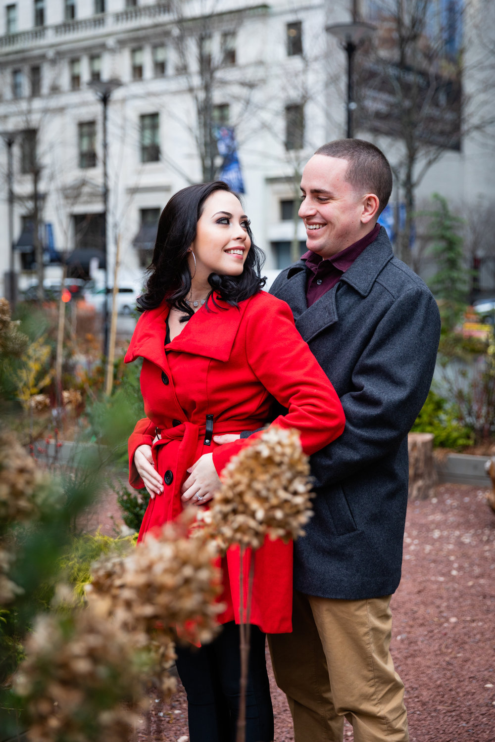 PHILADELPHIA CITY HALL ENGAGEMENT PHOTOS-4.jpg