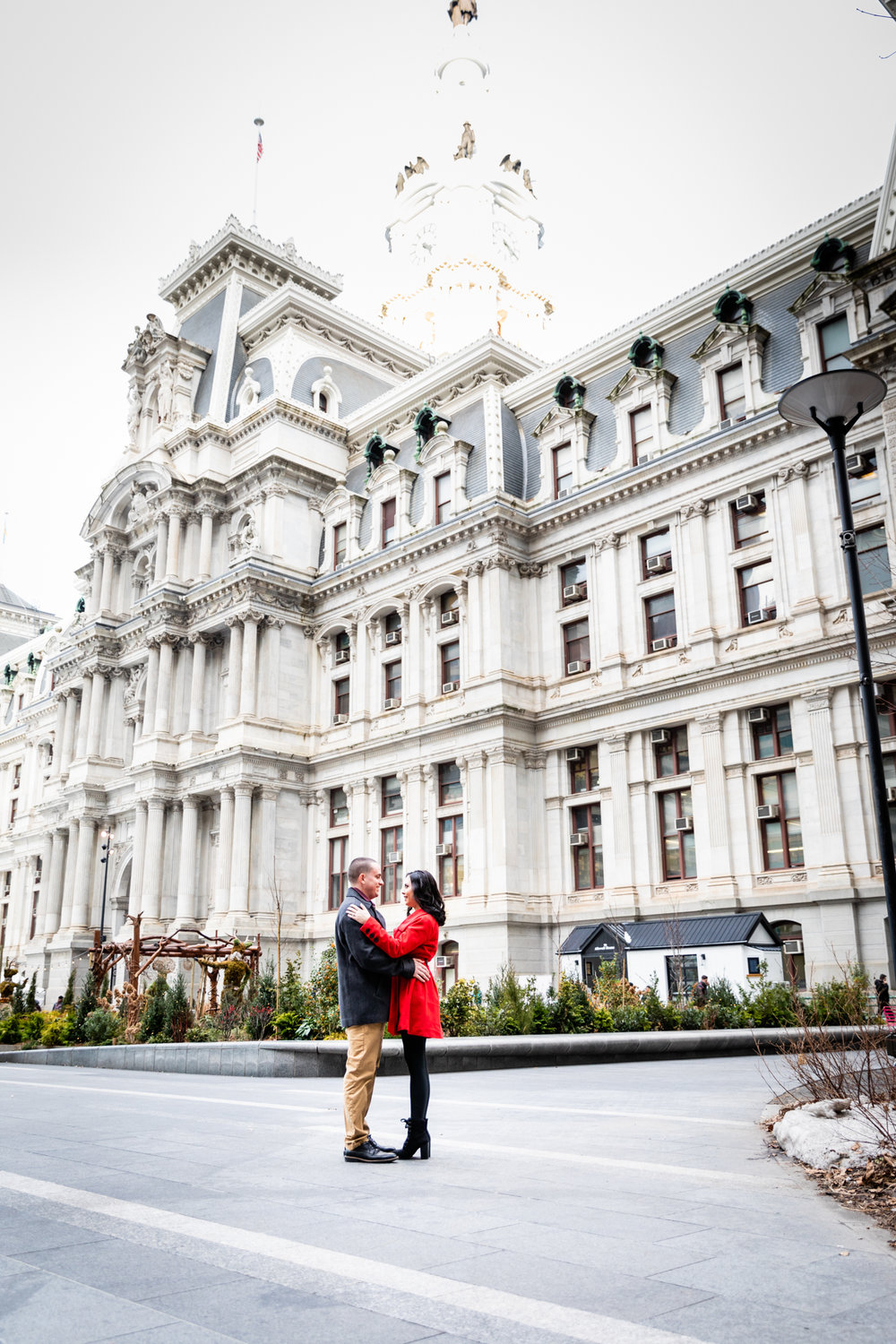 PHILADELPHIA CITY HALL ENGAGEMENT PHOTOS-3.jpg