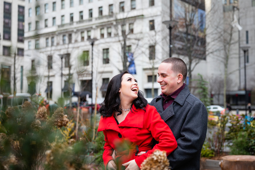 PHILADELPHIA CITY HALL ENGAGEMENT PHOTOS-5.jpg