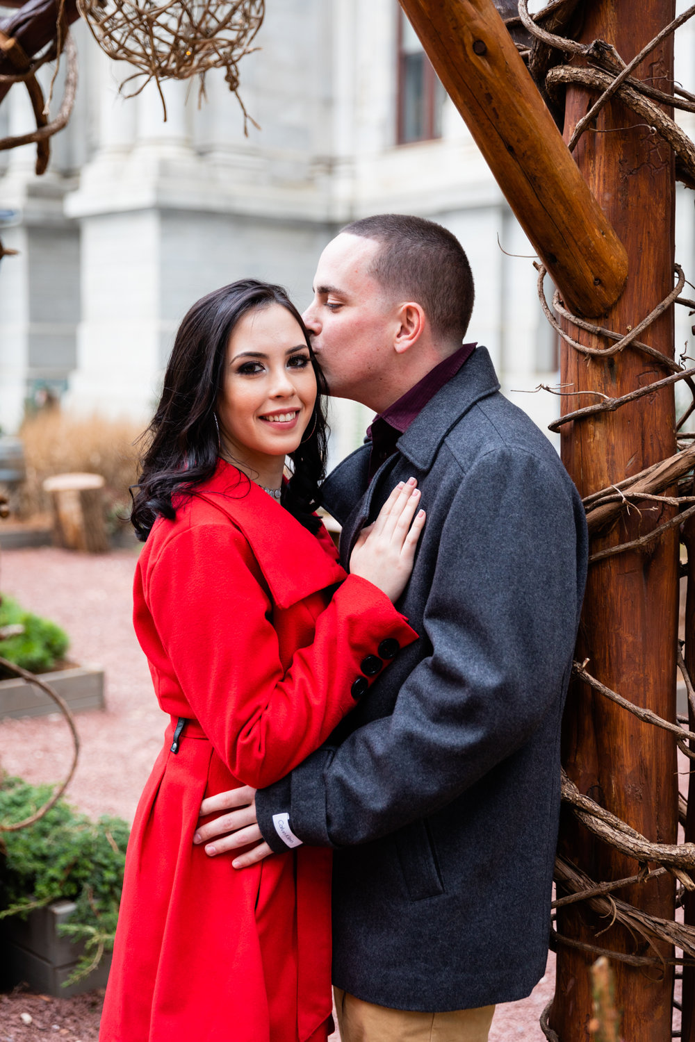 PHILADELPHIA CITY HALL ENGAGEMENT PHOTOS-7.jpg