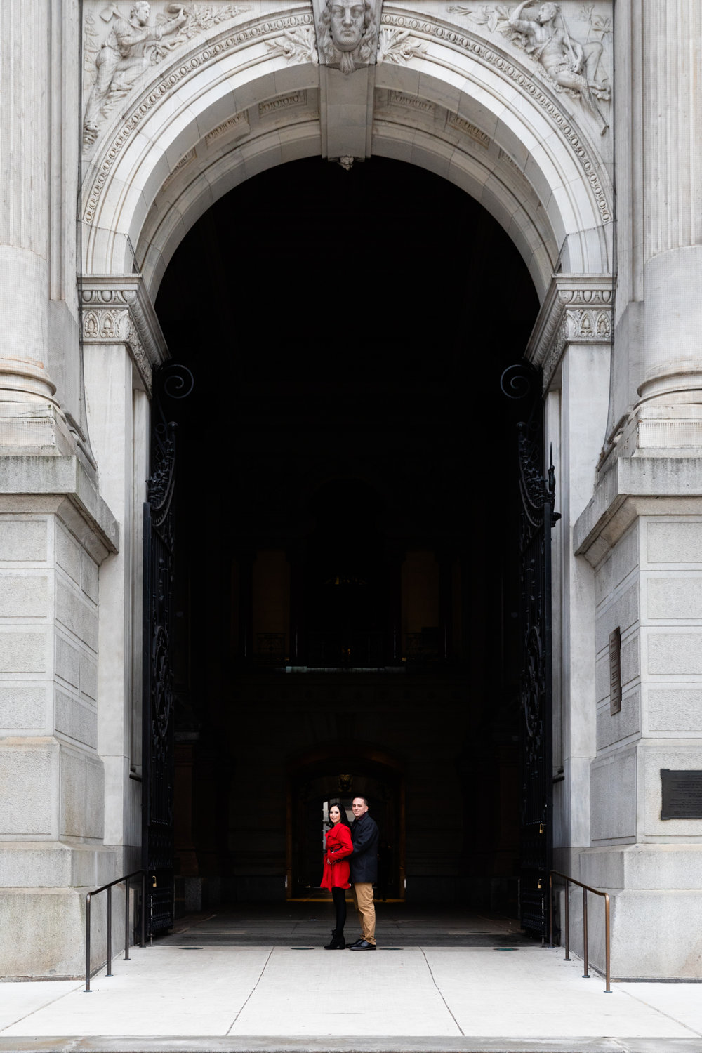 PHILADELPHIA CITY HALL ENGAGEMENT PHOTOS-16.jpg