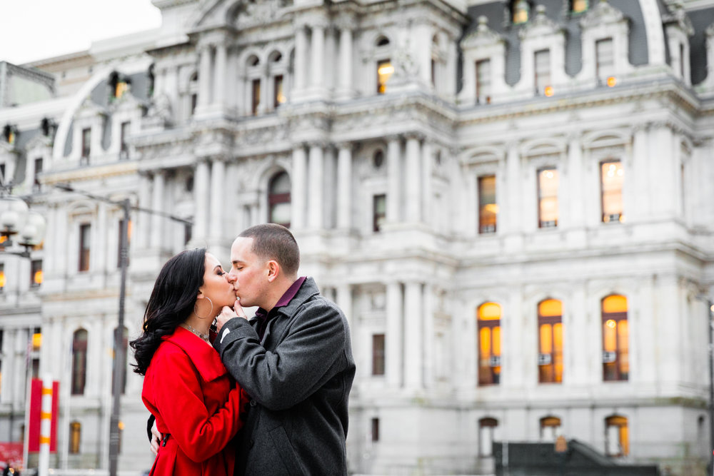 PHILADELPHIA CITY HALL ENGAGEMENT PHOTOS-24.jpg