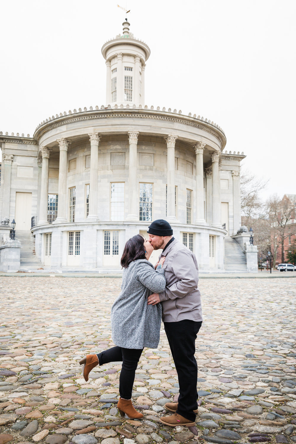 PHILADELPHIA OLD CITY ENGAGEMENT PHOTOS-2.jpg