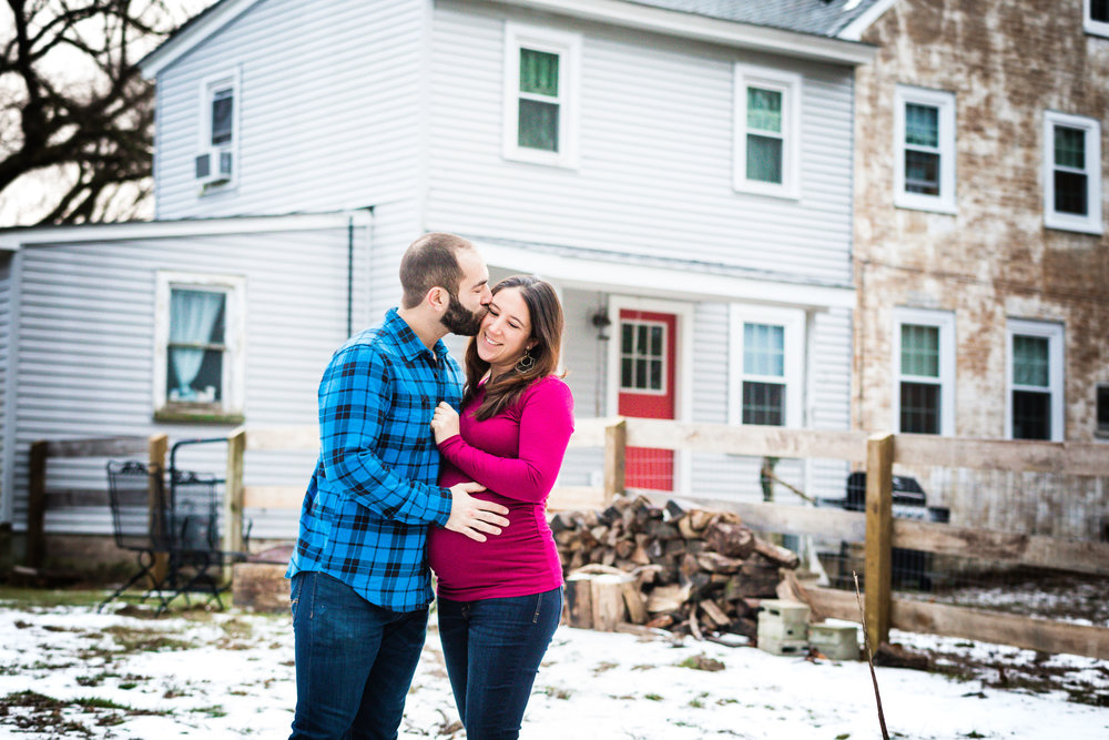 FARMHOUSE MATERNITY PHOTOS NEW JERSEY-10.jpg
