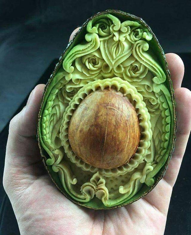 Thank for @danielebarresi_artist for producing this beautiful work of art 💚 . . . #avocado #aguacate #art #beautiful #beauty #talent #carving #fruit #green #love #nature #natural #organic #vegan #crueltyfree #happy #healthy #skin #food #cosmetics #skincare #eat #life #cado