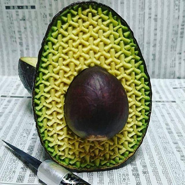 @gakugakugakugakugaku1 back at it again with some more INCREDIBLE avo art 👌💚 . . . #avocado #aguacate #art #artist #fruit #vegetable #carving #amazing #beauty #love #life #cosmetics #skincare #natural #organic #vegan #crueltyfree #happy #healthy #skin #food #geometry #sacredgeometry #green #special #health #tuesday #cado
