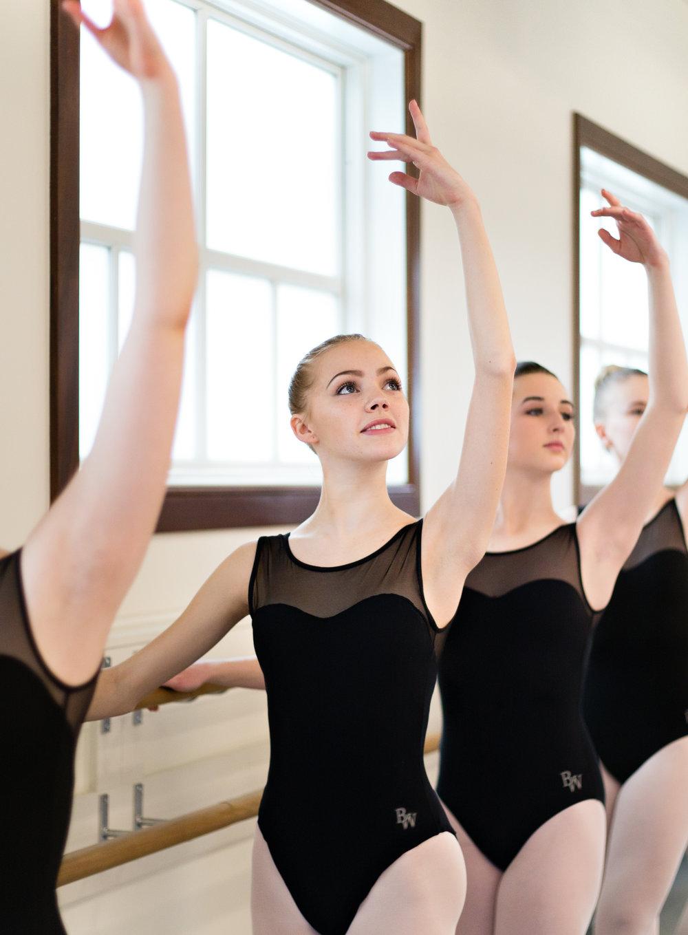 Dancers-FullSize-3.jpg