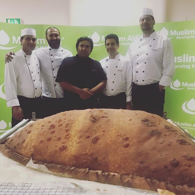 Proud to be part of the team behind the world's largest edible samosa.  At 153.3kg it dwarfed the previous record. #recordbreaking #guinnessworldrecord