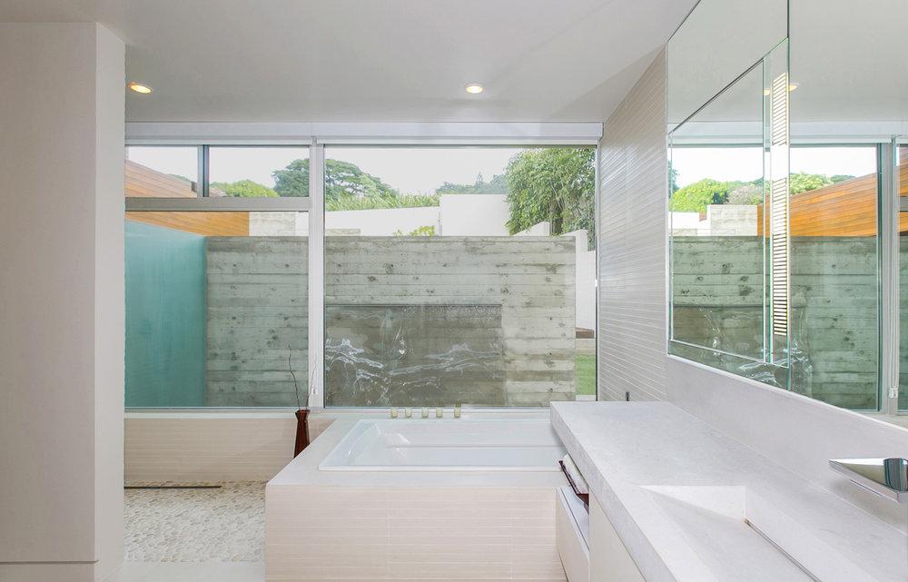 1020_Foley-House_54_bathroom.jpg