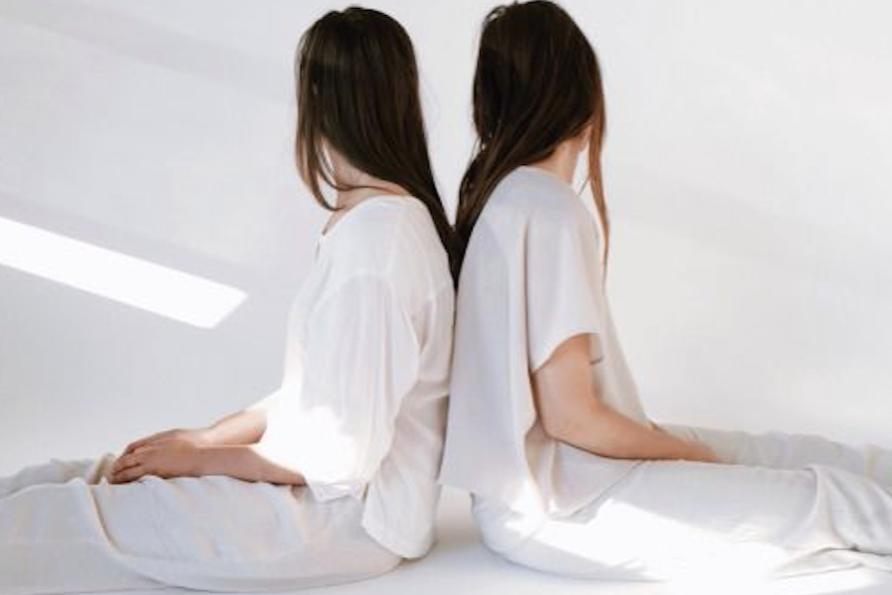 THai Partner Yoga -